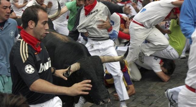 Un toro crea una situación de peligro en el tramo de Telefónica
