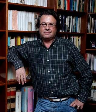 «Es ridículo», afirma el profesor denunciado por hablar del jamón
